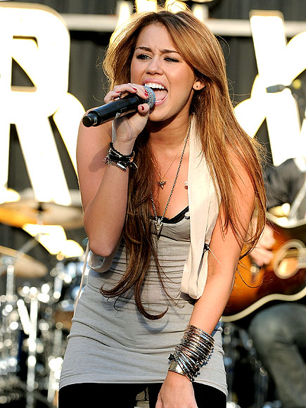 AMPED UP photo   Miley Cyrus