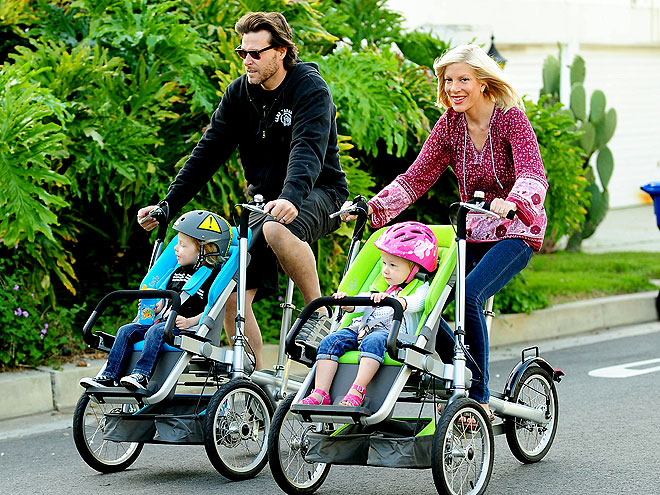 PEDAL PUSHERS photo | Dean McDermott, Tori Spelling