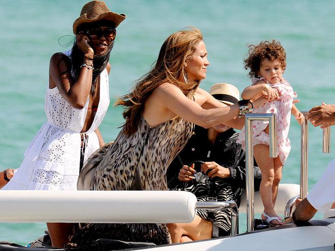 DOCK HOLLYWOOD photo | Jennifer Lopez