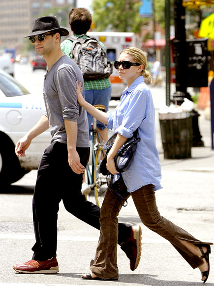 TAG TEAM photo | Ashley Olsen, Justin Bartha