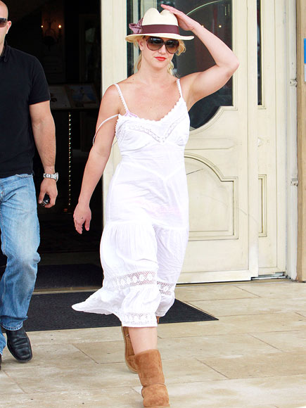 SUMMER WHITES photo | Britney Spears