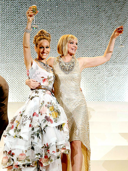 GETTING A RAISE photo | Kim Cattrall, Sarah Jessica Parker