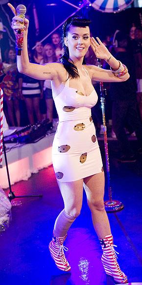27 DRESSES... photo | Katy Perry