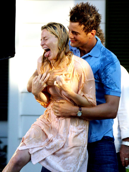 GAG REEL photo | Elizabeth Banks, Josh Duhamel