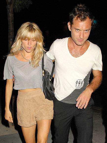 A MUSICAL MATCH photo | Jude Law, Sienna Miller