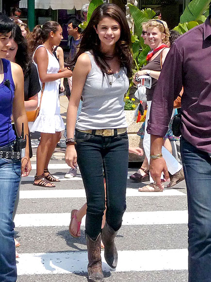 THE FULL MONTE photo | Selena Gomez
