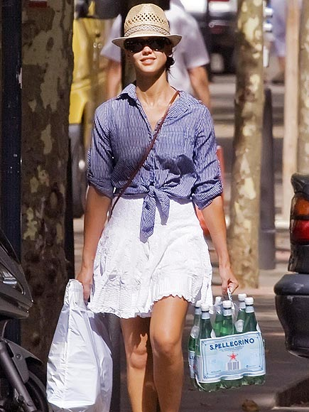 BLUE BELLE photo | Jessica Alba