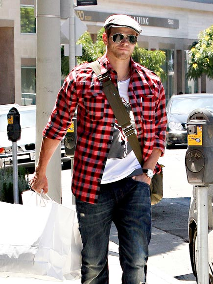PLAID HATTER photo | Kellan Lutz