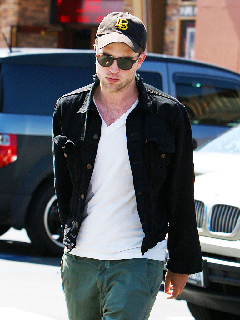SHOW TIME photo | Robert Pattinson