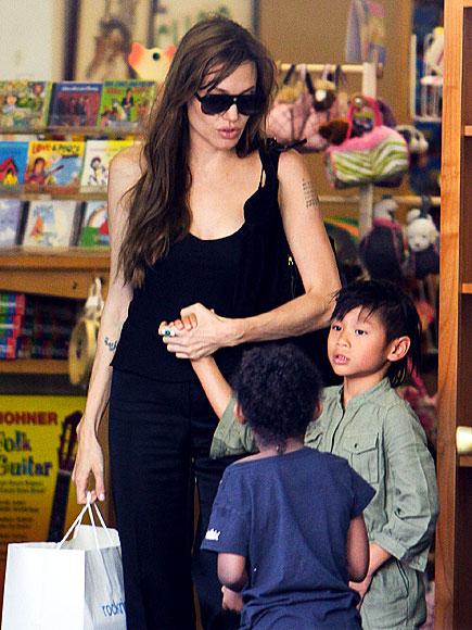 TOY STORY photo | Angelina Jolie, Pax Thien Jolie-Pitt, Zahara Jolie-Pitt