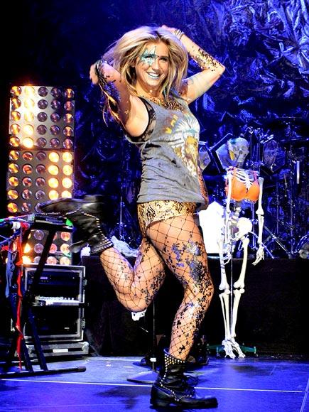 SPARKLE MOTION photo | Kesha