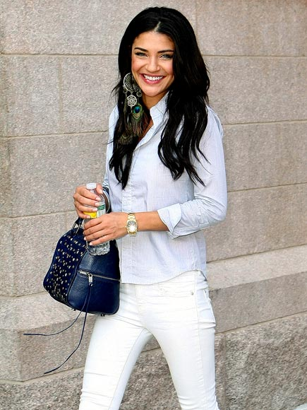 SUMMER WHITES photo | Jessica Szohr