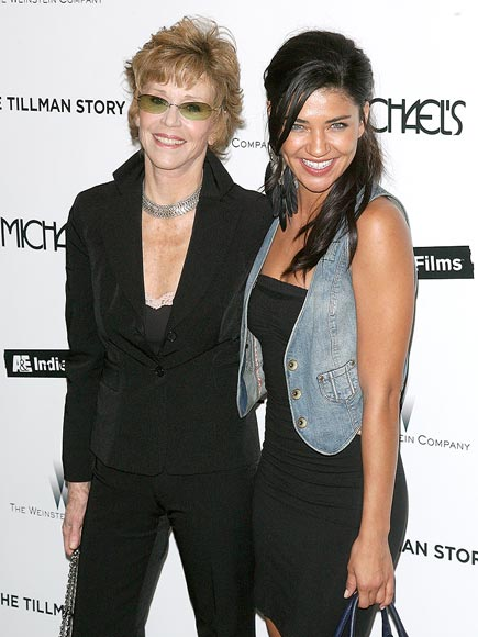 GOLDEN 'GIRLS' photo | Jane Fonda, Jessica Szohr