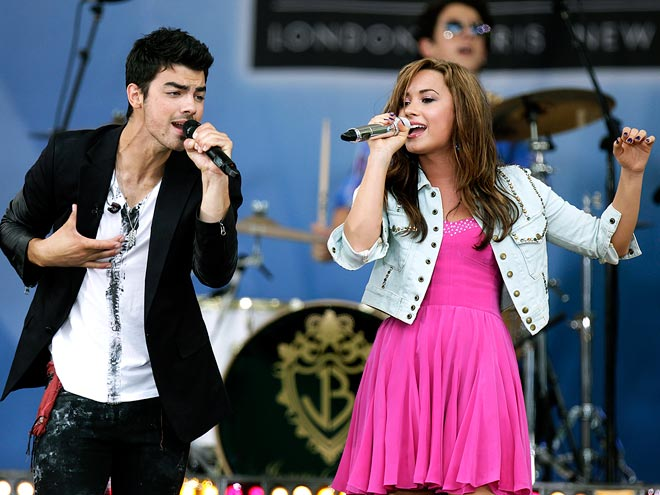 PERFECT HARMONY photo | Demi Lovato, Joe Jonas