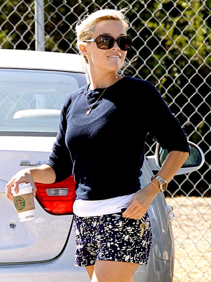 SHORTS STOP photo | Reese Witherspoon