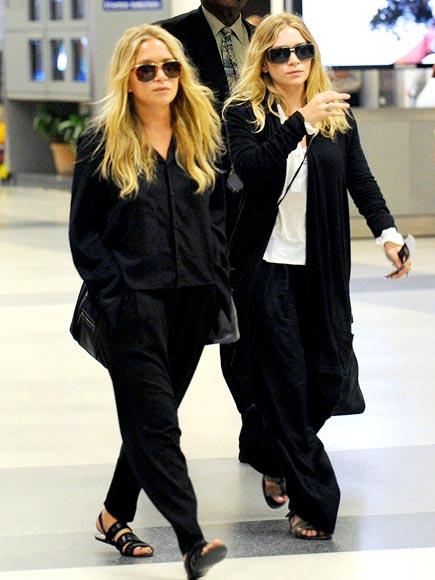 TWO OF A KIND photo | Ashley Olsen, Mary-Kate Olsen