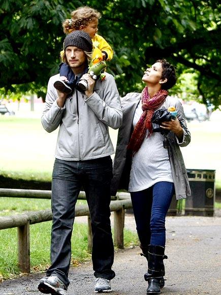 OKAY IN THE U.K. photo | Gabriel Aubry, Halle Berry