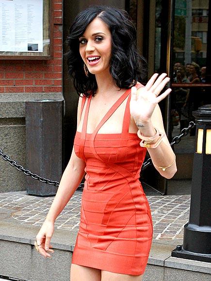 BANDAGED UP photo | Katy Perry