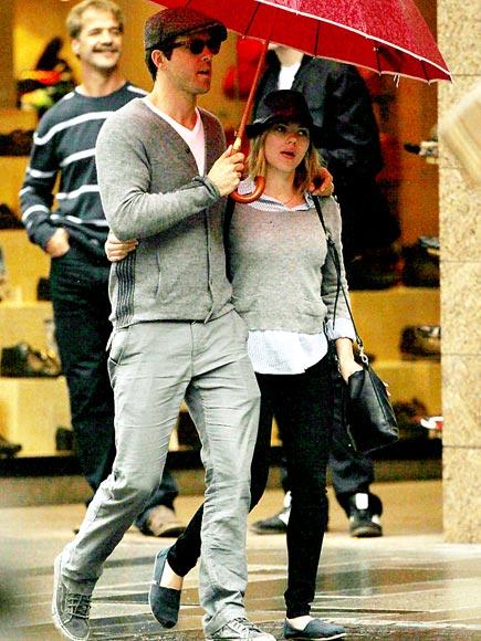 WEATHER OR NOT photo | Ryan Reynolds, Scarlett Johansson