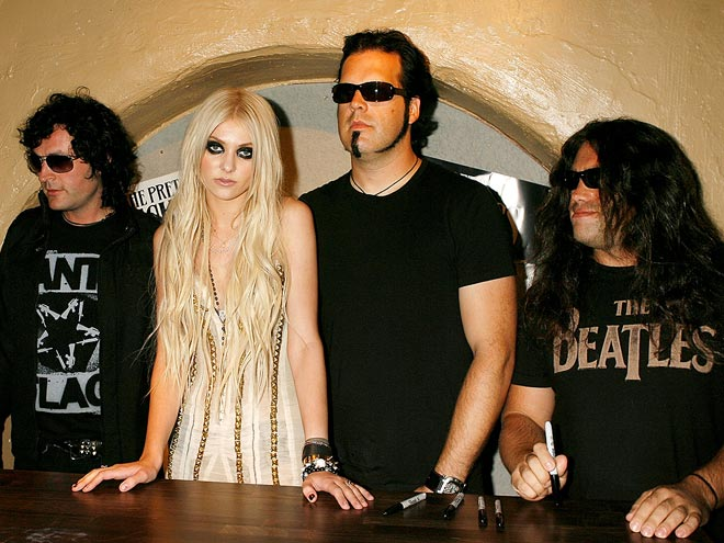 (EYE)LINER NOTES photo | Taylor Momsen