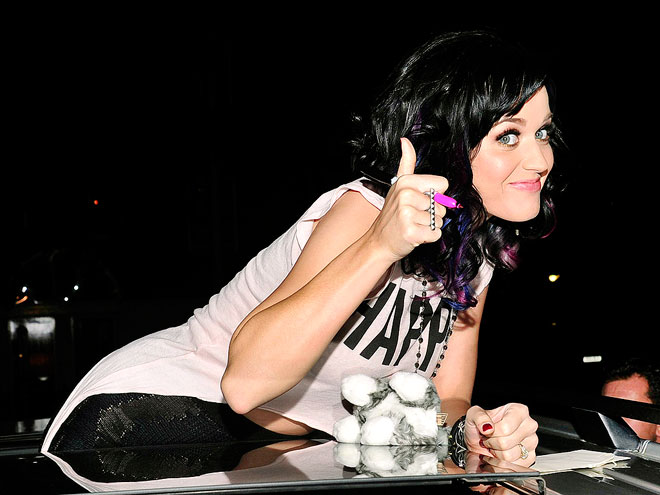 Katy Perry Thumbs up