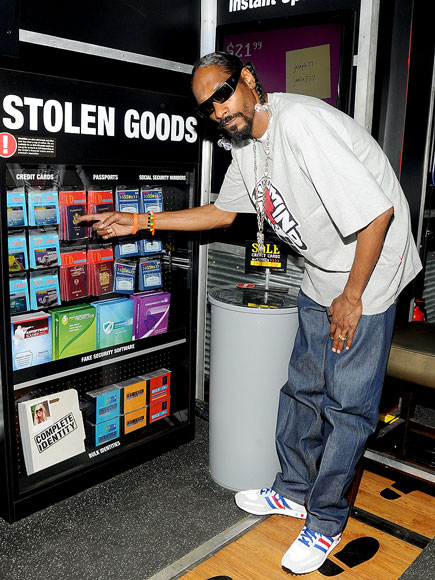 WHAT A STEAL! photo | Snoop Dogg