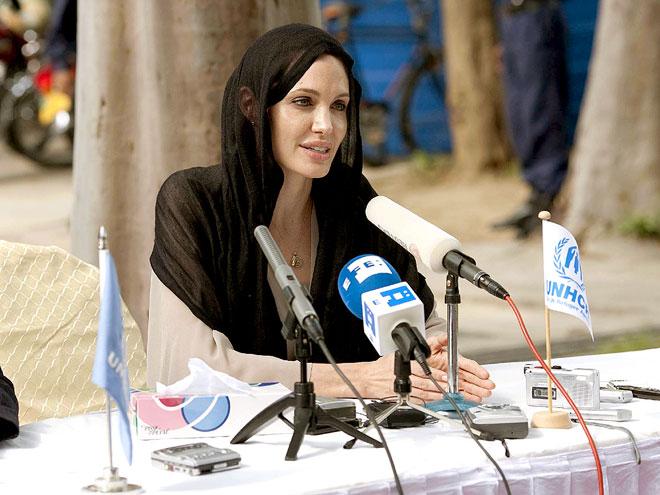 ON DUTY photo   Angelina Jolie
