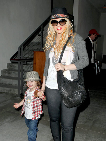 HAT TRICK photo   Christina Aguilera