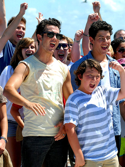 CALL TO ACTION photo | Jonas Brothers, Kevin Jonas, Nick Jonas