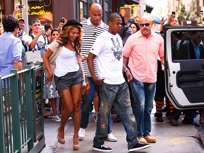 STEPPING OUT photo | Beyonce Knowles, Jay-Z