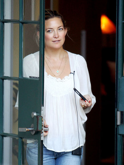 DOOR BELLE photo | Kate Hudson
