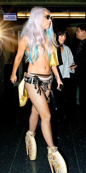 TRAVELING LIGHT photo | Lady Gaga