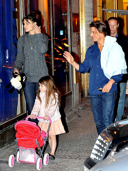 CZECH THEM OUT photo | Katie Holmes, Tom Cruise