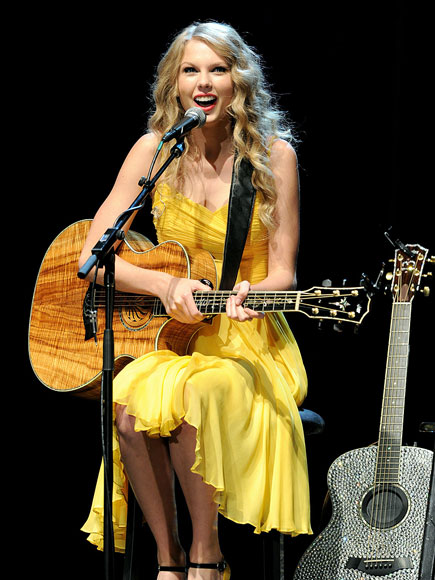 MUSIC NOTES photo | Taylor Swift
