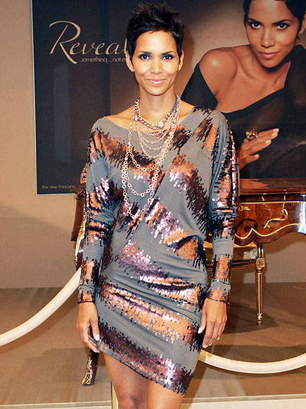 SIGNATURE SPRITZ photo | Halle Berry