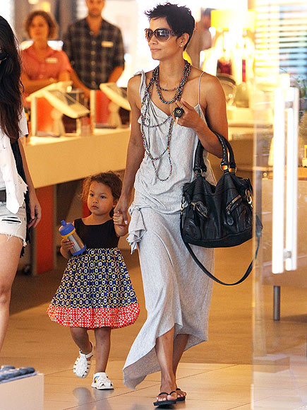 SHOP TO IT photo | Halle Berry