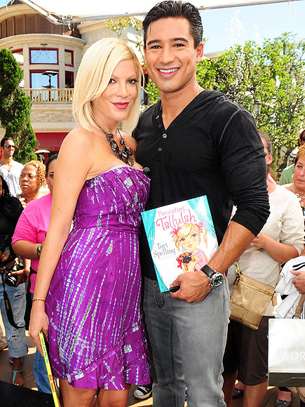 'STORI' TIME photo | Tori Spelling