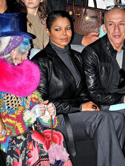 SIDEWAY GLANCES photo | Janet Jackson