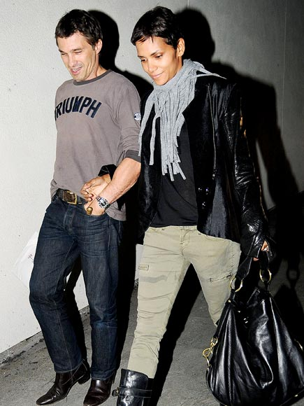 LINKED IN photo | Halle Berry, Olivier Martinez