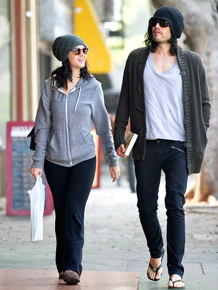 COZY COUPLE photo | Katy Perry, Russell Brand