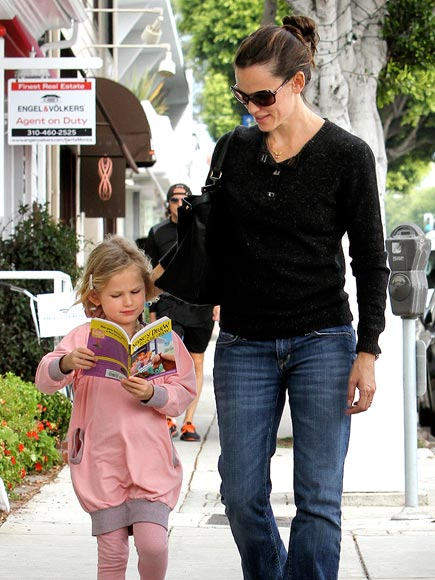 BOOK IT photo | Jennifer Garner, Violet Affleck