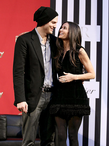 STUCK ON YOU photo | Ashton Kutcher, Demi Moore