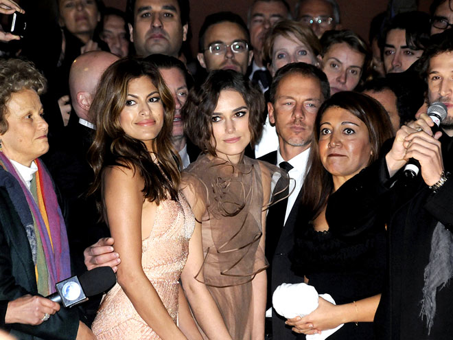 A SWARM WELCOME photo | Eva Mendes, Keira Knightley