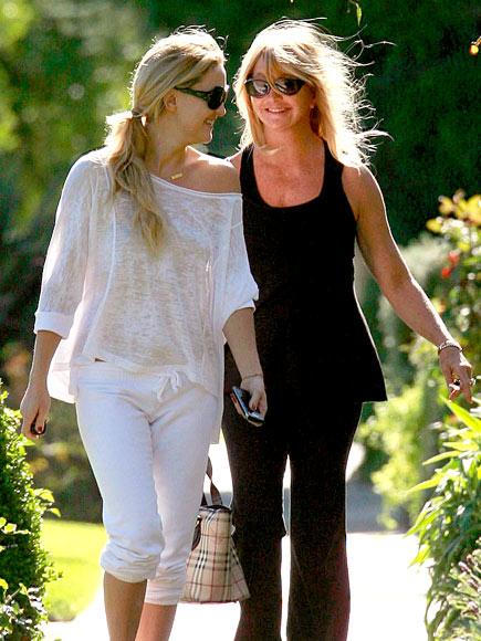 FAMILY TIES photo | Goldie Hawn, Kate Hudson