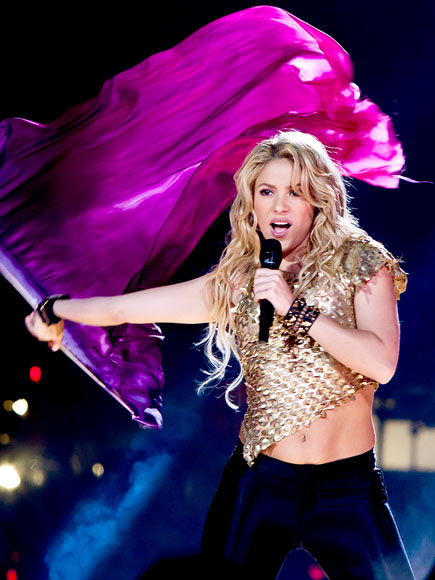 FLAGGING IT photo | Shakira