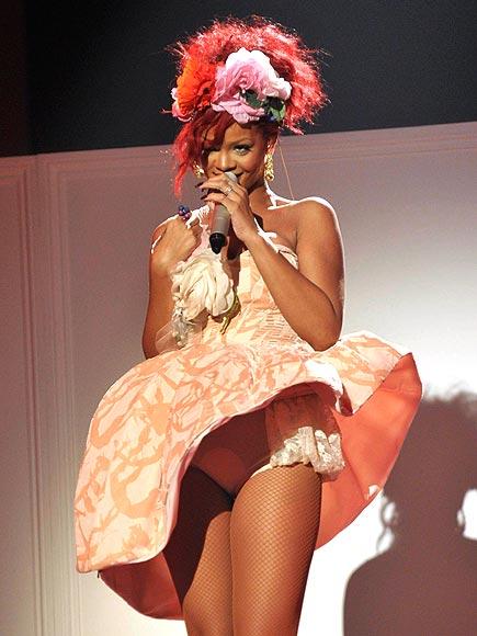 TABLETOP TEASE  photo | Rihanna