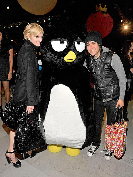 PENGUIN PALS photo | Ashlee Simpson, Pete Wentz