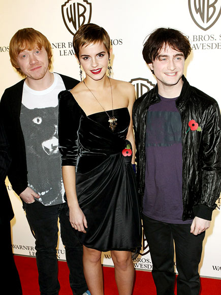 MAGICAL MOMENT   photo | Daniel Radcliffe, Emma Watson, Rupert Grint