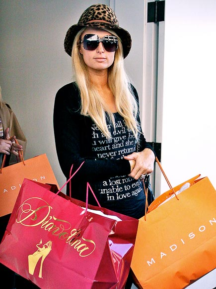 BAGGIN' IT photo | Paris Hilton