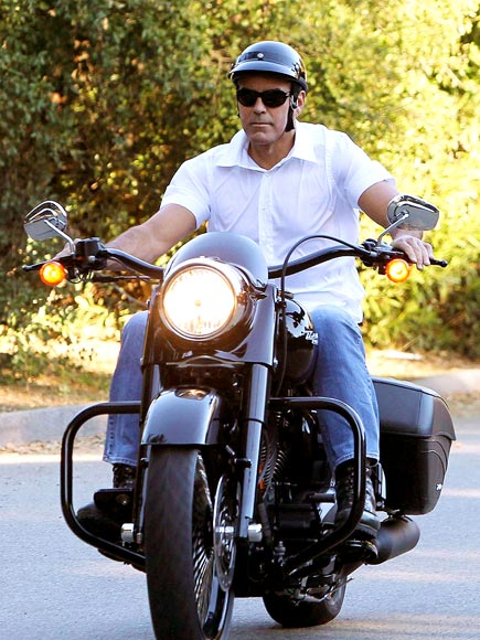COOL RIDER photo | George Clooney